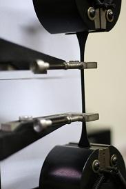 آزمایشگاه کنترل کیفی شرکت تک تایر آذر
